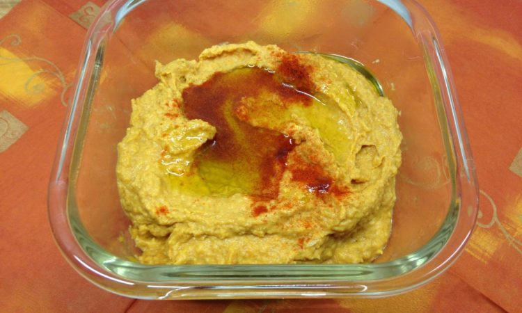 Scharfer Süßkartoffel Dip mit Tahini und Zitrone
