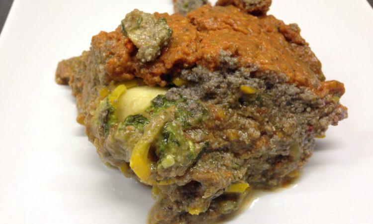 Vegane Zucchini Lasagne mit Champignon-Nuss Hack und Tomaten Dattel Creme