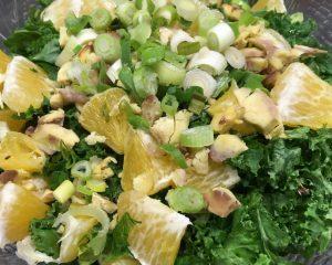Grünkohl Salat mit Orangen und Maronen