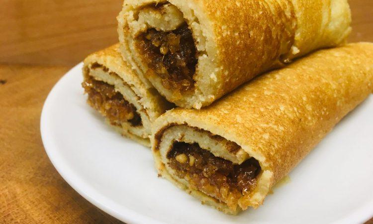 Pani Pol: Gefüllte Pfannekuchen mit Kokosflocken und Palmsirup