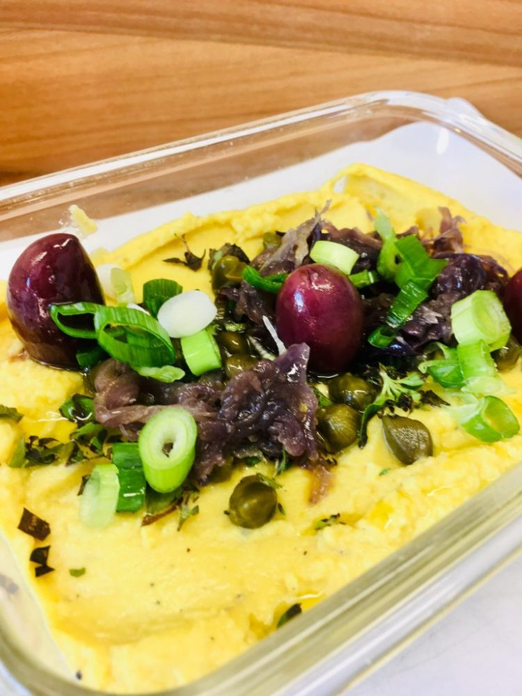 Fava - Griechischer Erbsen Dip mit Zwiebeln und Kapern