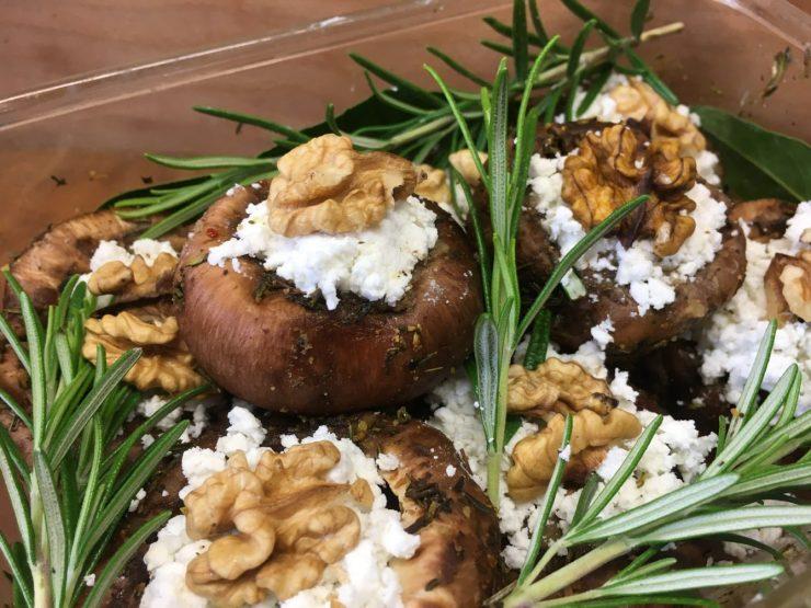 Gefüllte Champignons mit Ziegenkäse und Honig