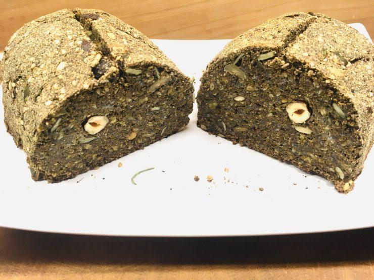 Glutenfreies Hanfbrot mit Nüssen