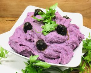 Purple Skordalia aus lila Kartoffeln