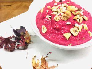 Pink Hummus: Rote Bete Hummus mit Haselnüssen