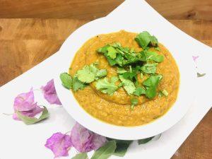 Mung Dhal Suppe mit Süßkartoffeln und Karotten