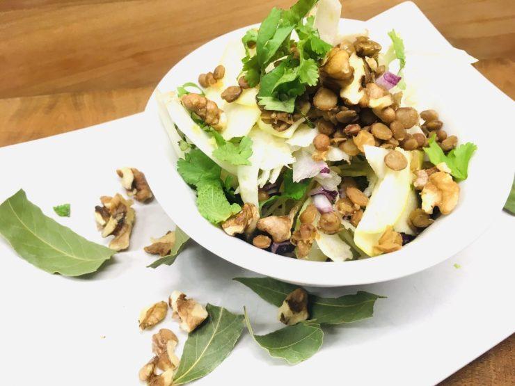Apfel Fenchel Salat mit Linsen und Walnüssen