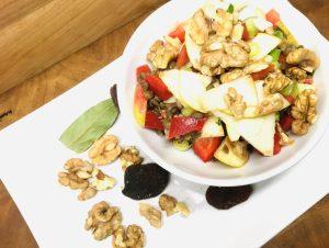 Paprika Linsen Salat mit Apfel, Aprikosen und Walnüssen