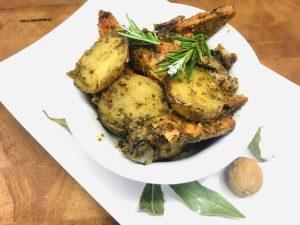 Geröstete Kartoffeln und Süßkartoffeln mit Dukkah
