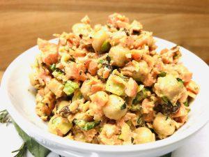 Karotten Kichererbsen Salat mit Tahini Dressing