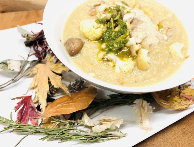 Blumenkohl Maronen Suppe mit Mandel-Haselnuss-Miso-Creme