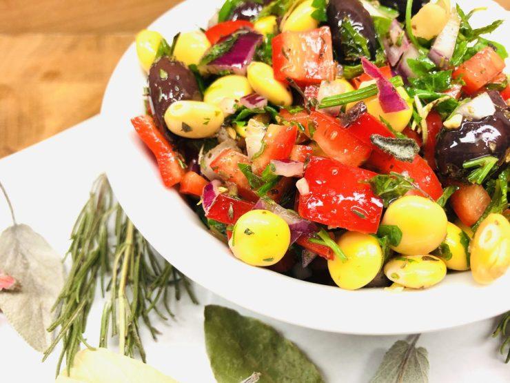 Mediterraner Süßlupinen Salat