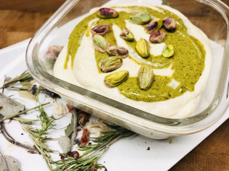 Weiße Bohnen Dip mit Pistazien Minze Pesto