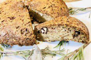 Bärlauch Brot mit Walnüssen