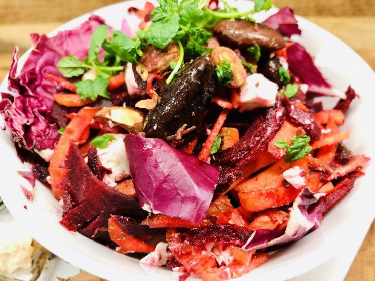 Rote Bete Salat mit roten Bohnen