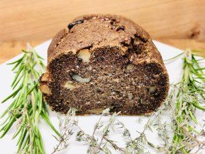 Buchweizen Quinoa Brot mit Walnüssen