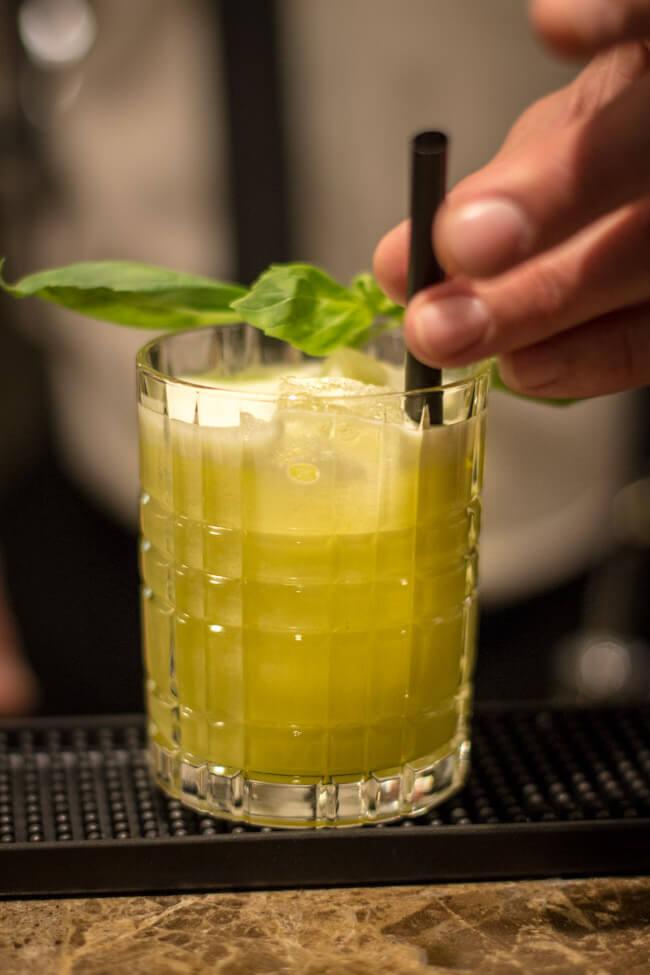 White Basil Cocktails mixen beim Bloggertreffen in Marburg