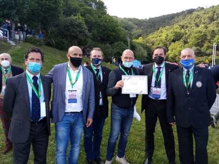 foto di gruppo con i dirigenti Coni e assessore Scaramuzza
