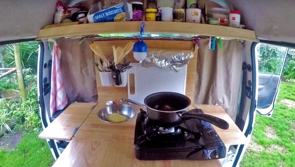 Étape  4 : La cuisine & ses rangements