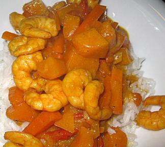Kokos-Garnelen-Curry mit Kürbis und Karotten