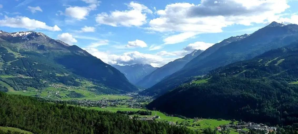 Vini della Valtellina: terra di mezzo tra le Retiche e le Orobie