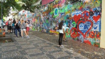muro di Jhon Lenon Praga