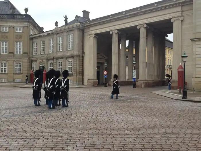 Cerimonia del cambio della Guardia a Copenaghen