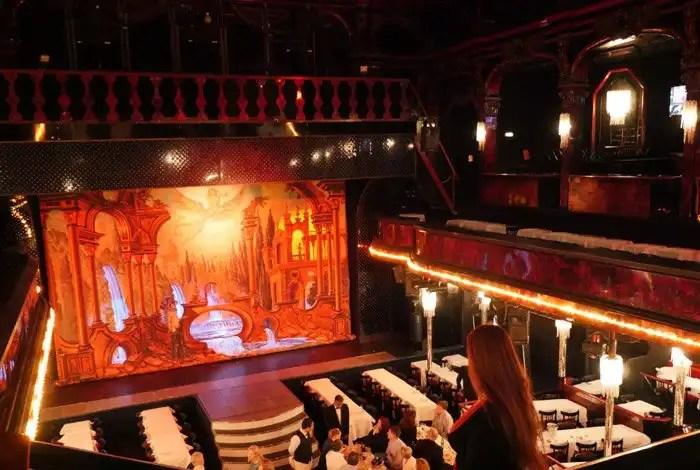 Cabaret Paradis Latin di Parigi