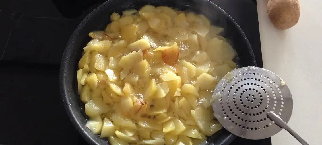 Tortilla di patate: la ricetta originale della frittata di patate spagnola