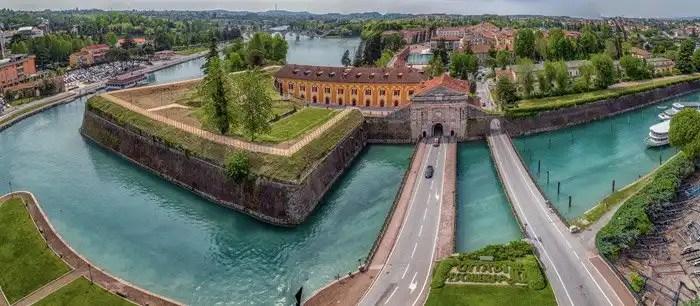 Peschiera del Garda Porta Verona