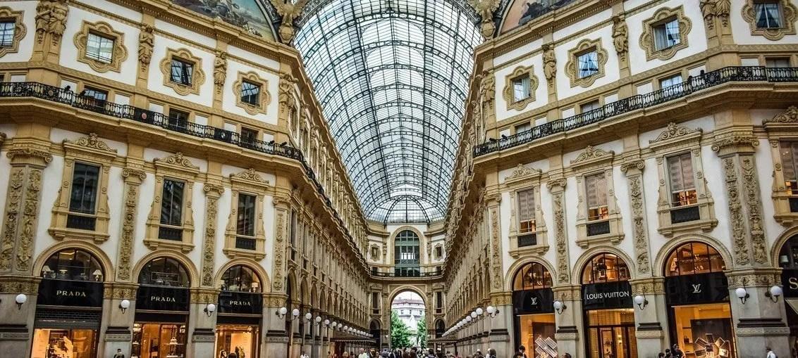 """Galleria Vittorio Emanuele II: storia e curiosità del """"Salotto di Milano"""""""