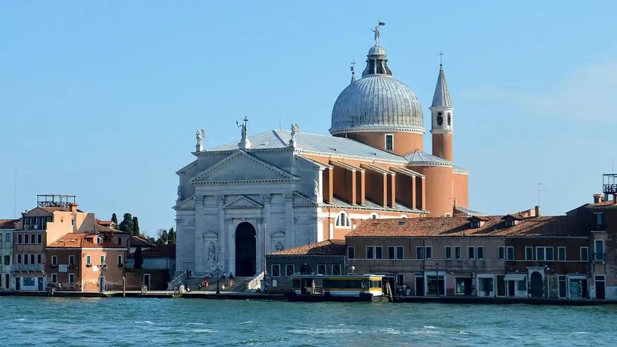 Redentore Venezia: la chiesa, il convento, il ponte e la festa con fuochi d'artificio