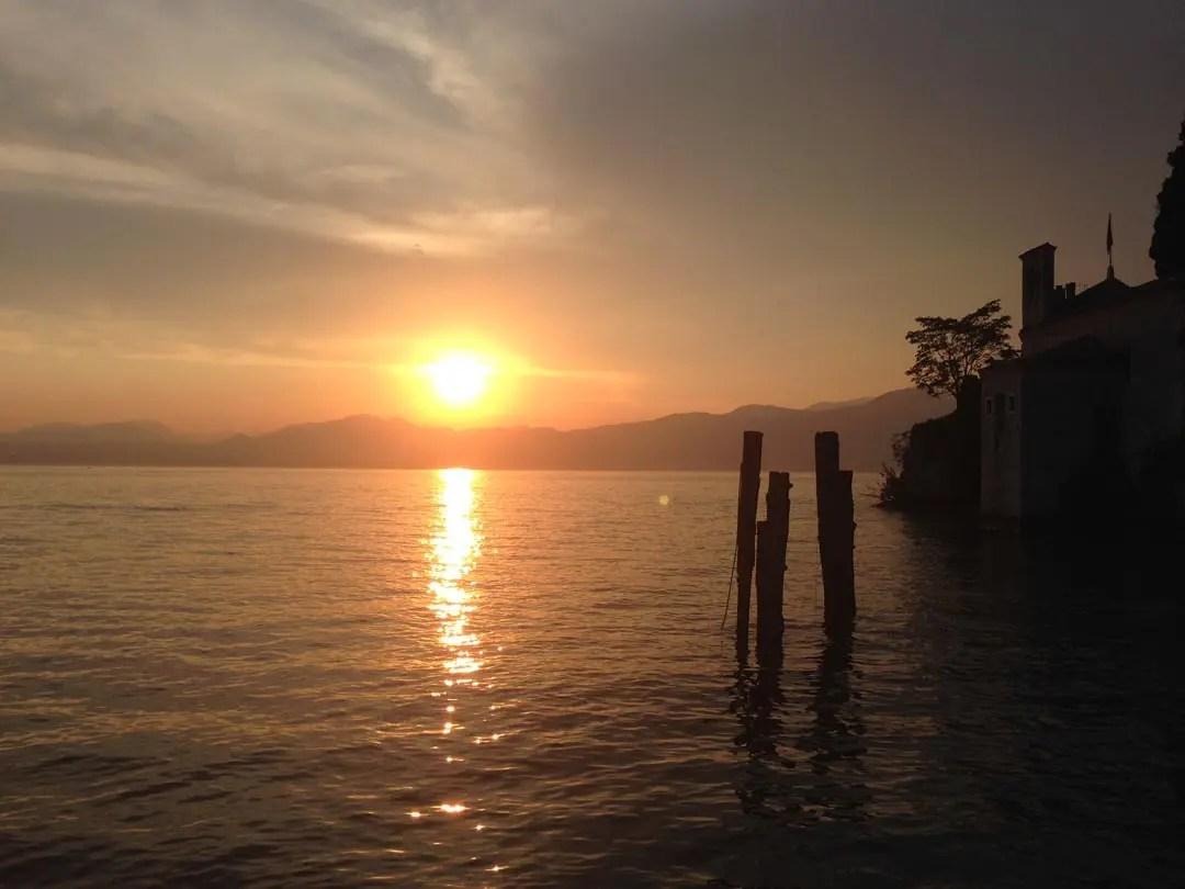 Punta San Vigilio Garda al tramonto
