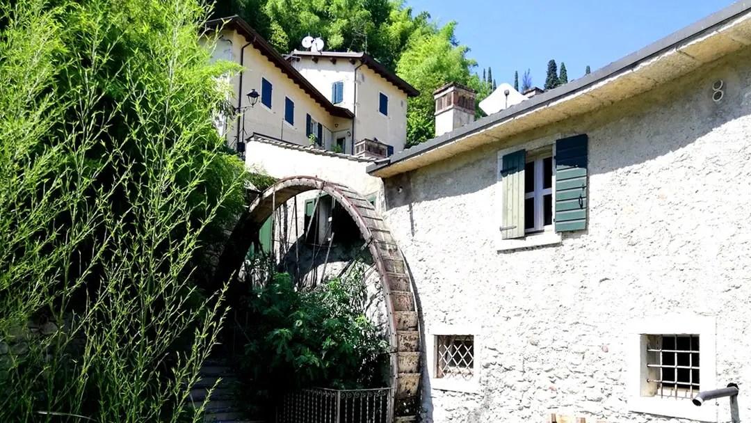 Valle dei Mulini a Garda: un percorso trekking nella natura del Lago di Garda