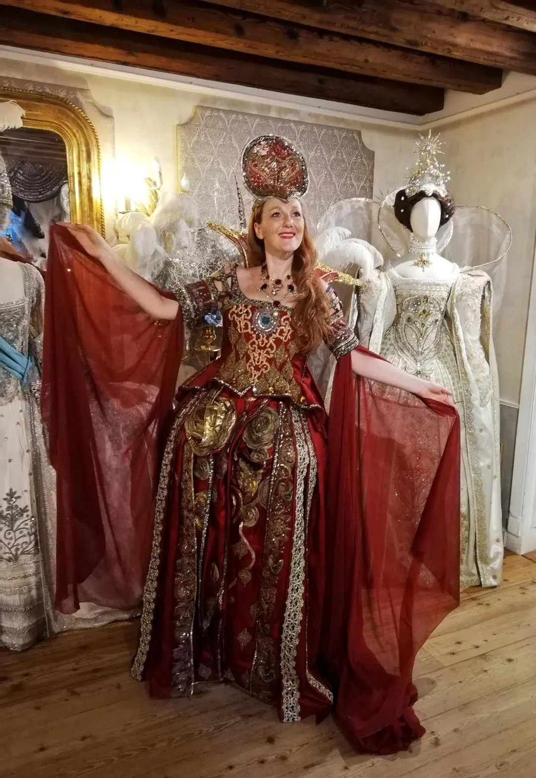 Antonia Sautter costumi