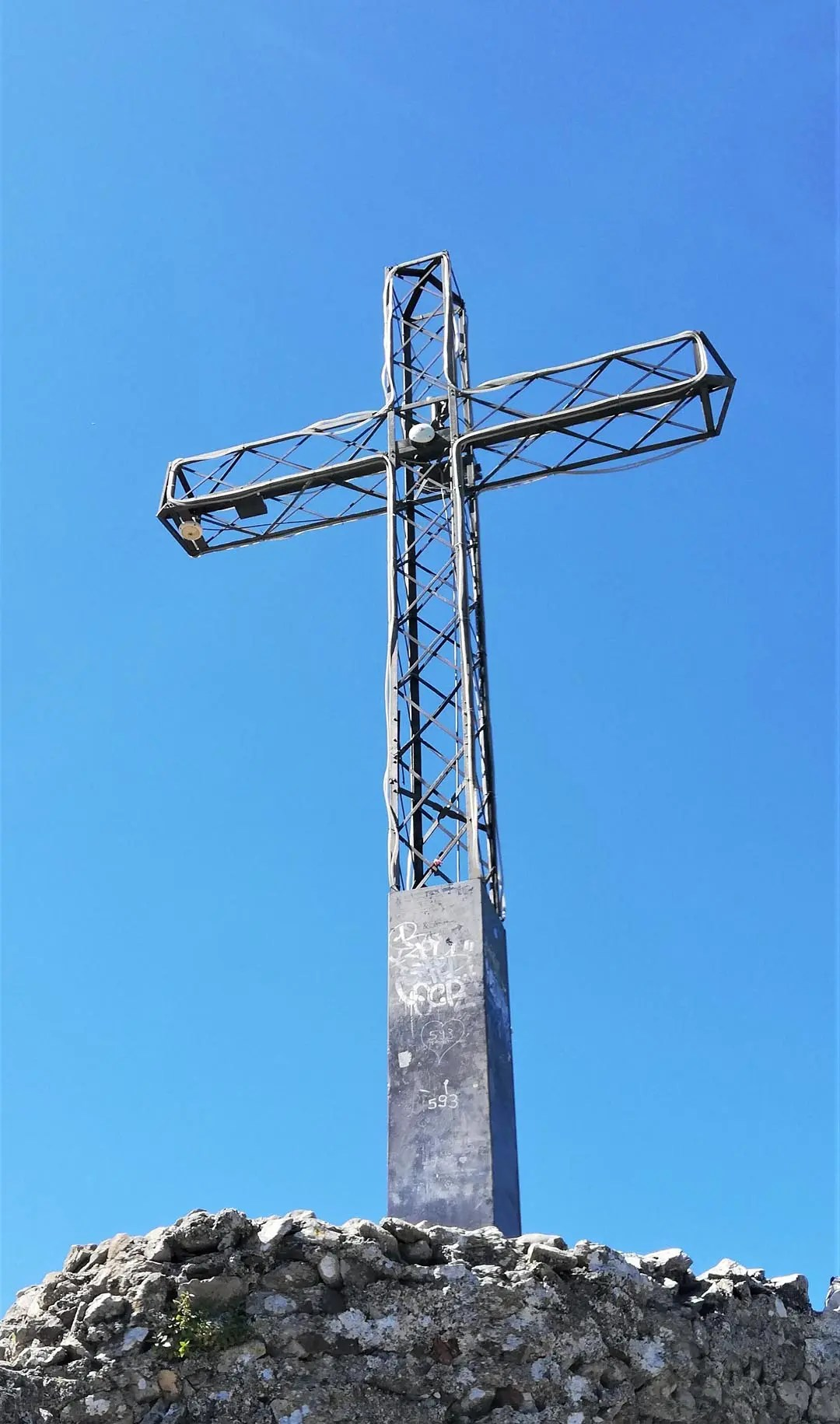 Rocca di Manerba croce