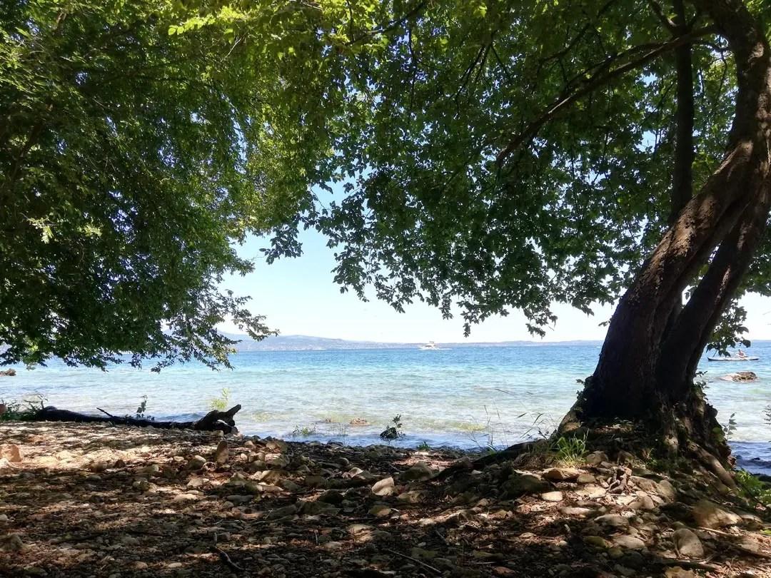 Rocca di Manerba spiaggia