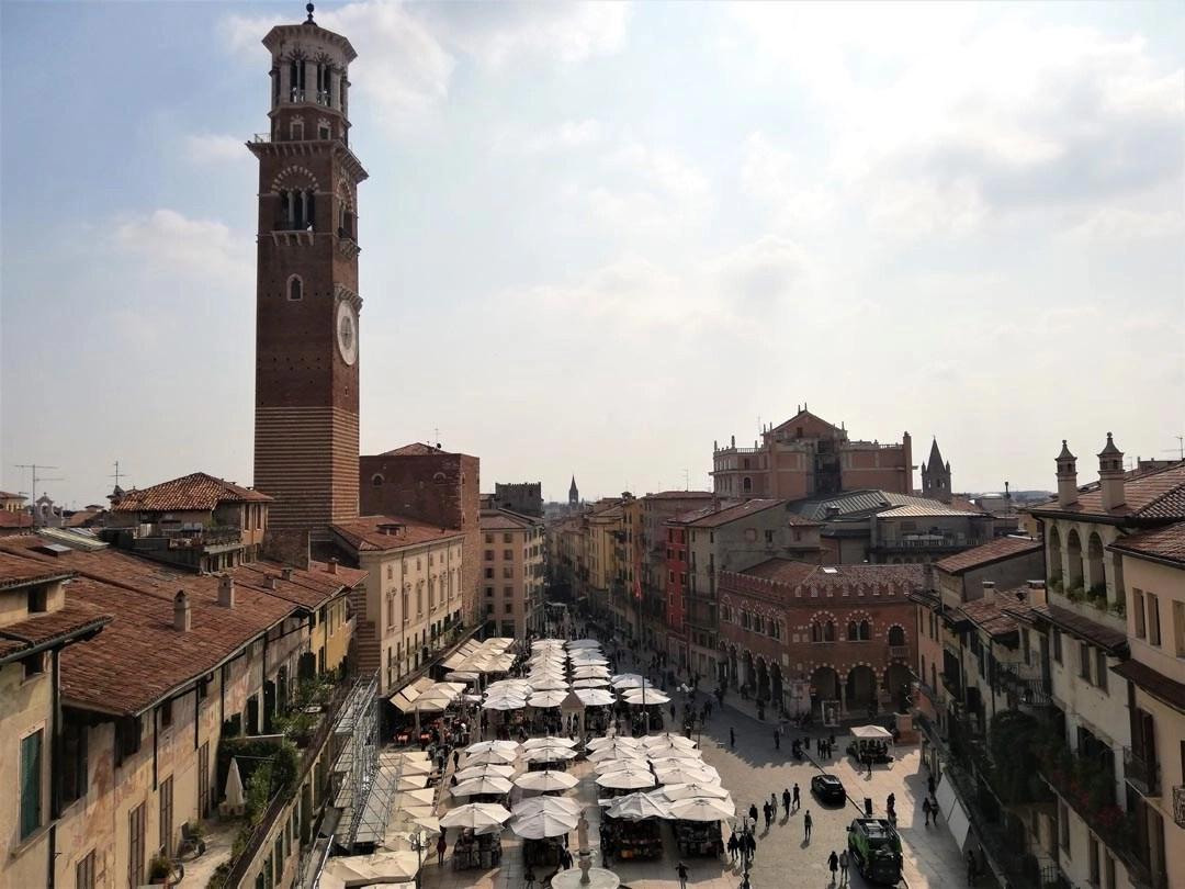 mercato di Piazza delle Erbe a Verona
