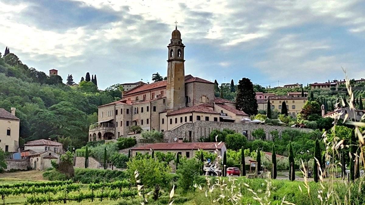 You are currently viewing Arquà Petrarca: cosa vedere nel borgo medievale dei Colli Euganei