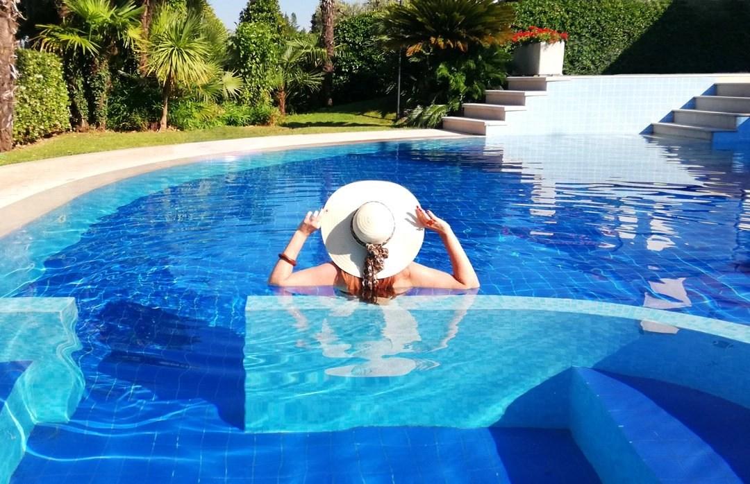 Hotel sul lago di garda con piscina