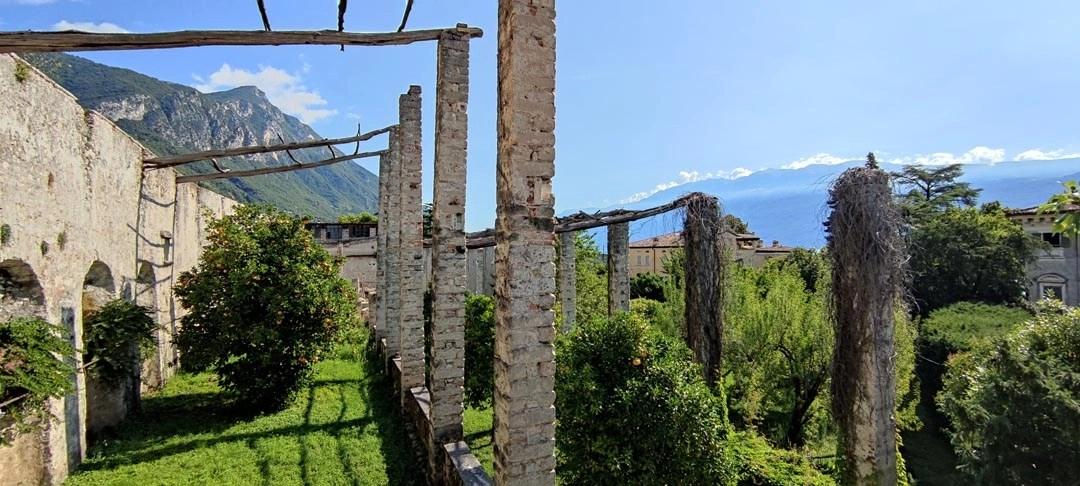 Visita alla limonaia di Villa Bettoni sul Lago di Garda