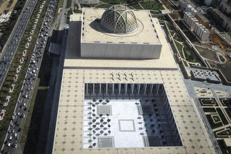 Vue aérienne sur la grande mosquée d'Alger.