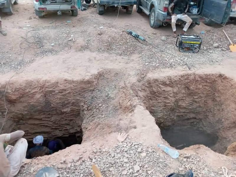 Les deux puits de prospection au Sud de l'Algérie, dans un desquels ont décédé, par asphyxie, deux orpailleurs sahraouis. Photo : DR