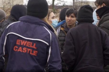 Calais : « les politiciens changent, la politique reste la même »