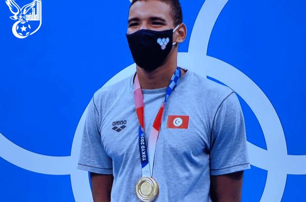 Ahmed Hafnaoui décroche le cinquième titre olympique du sport tunisien.