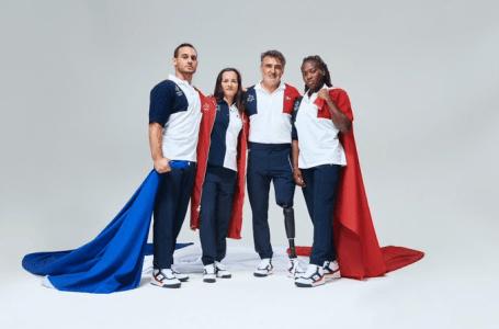 Les porte-drapeaux aux Jeux olympiques, Clarisse Agbegnenou (droite) et Samir Aït Saïd (gauche), posent avec leurs homologues pour les Jeux paralympiques Sandrine Martinet et Stéphane Houdet. Photo Comité national olympique
