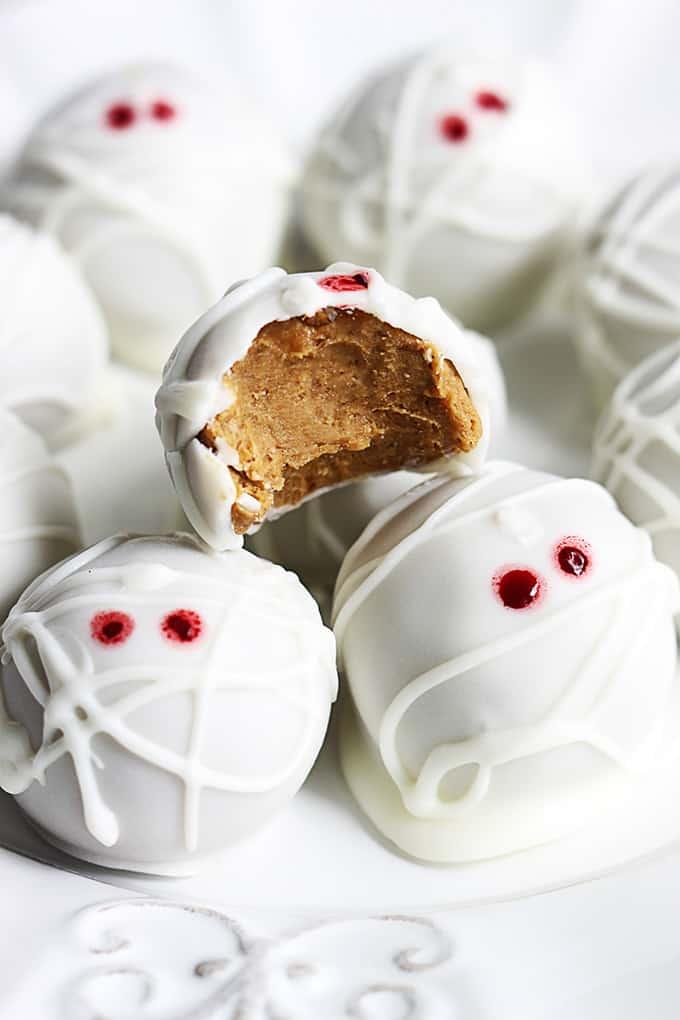 Pumpkin Cheesecake Truffles, by Creme De La Crumb