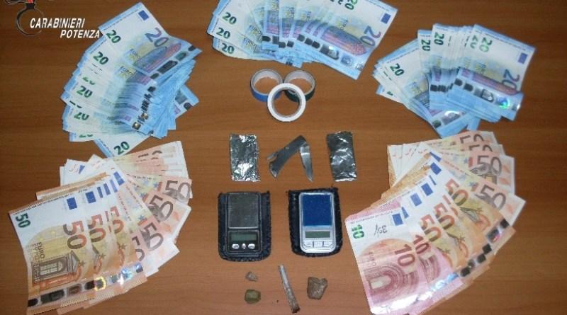 spaccio droga soldi
