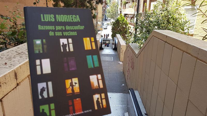 Razones para desconfiar de sus vecinos, humor, profesores y artistas frustrados