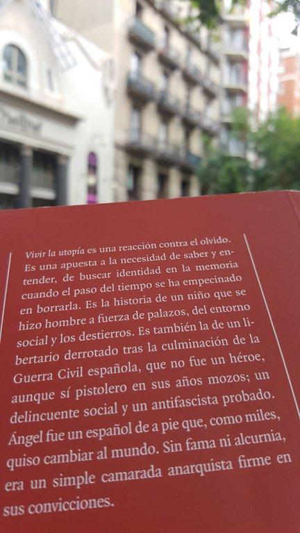 Contracubierta del libro Vivir la Utopía